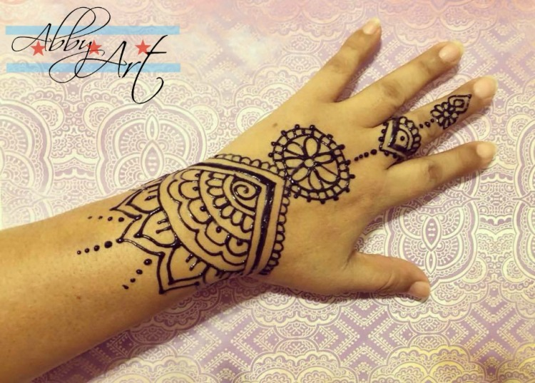 henna_chicago_jaguar_tattoo_easy_wedding_mothers_day_abby_ascencio_abbys_colorful_creations.jpg