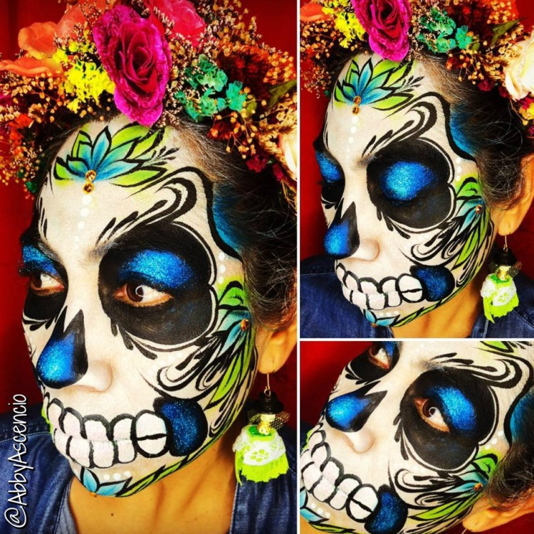 chicago_face_paint_abby_ascencio_sugar_skull_catrina_halloween_2018_dia_de_los_muertos_blue_flowers
